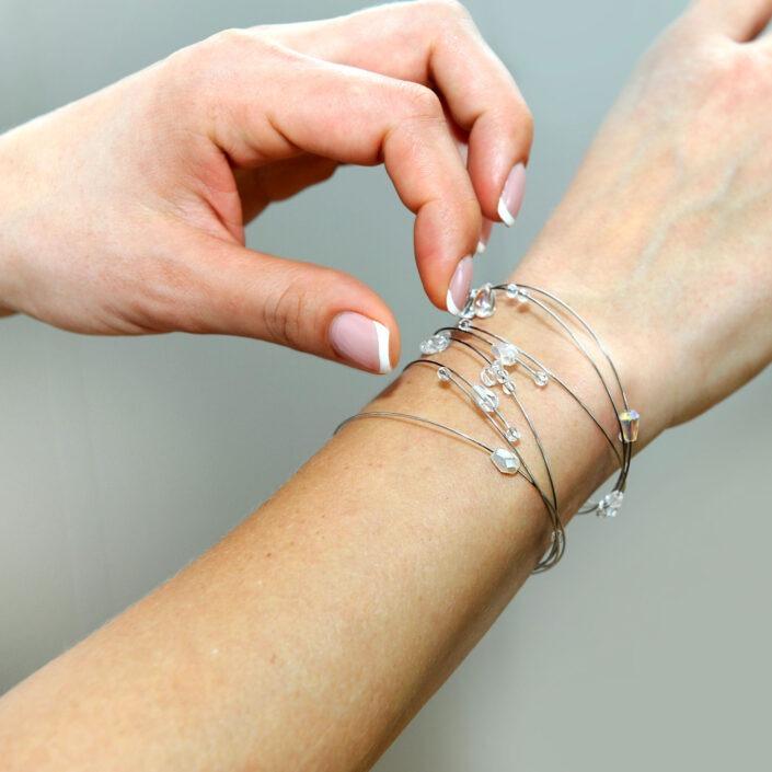 Šperky náramky Design © Copyright GeorGina Jiřina Chrtková FAST SHOTS, s.r.o.
